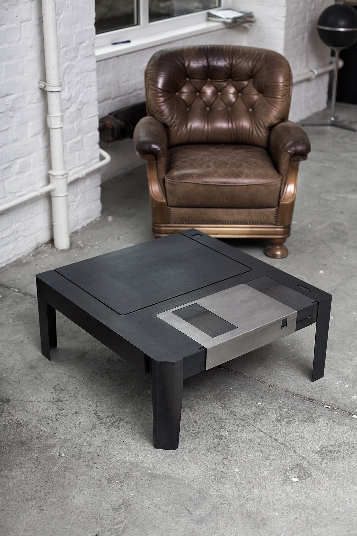 FLOPPYTABLE  COFFEE TABLE  wwwneulantvanexelde